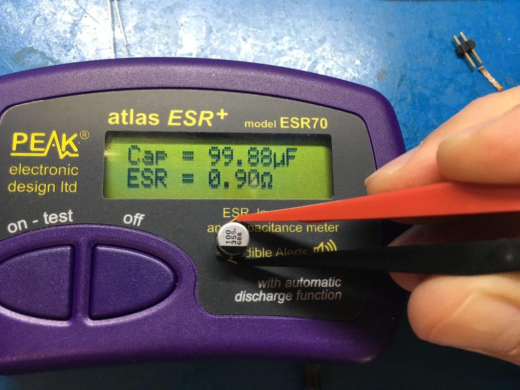 ESR condensador electrolitico.